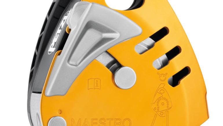 matériels epi travaux hauteur intègre le descendeur poulie-bloqueur MAESTRO S de chez PETZL